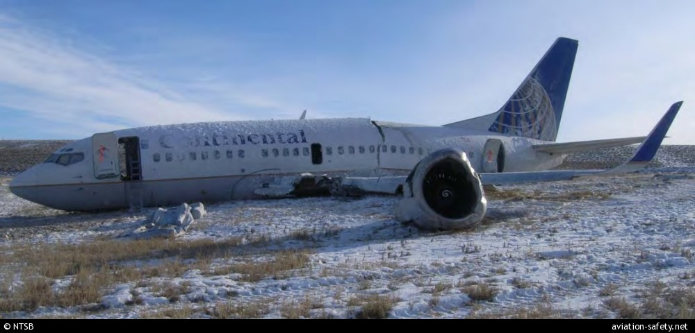photo of boeing 737 524 n18611   aviation safety network