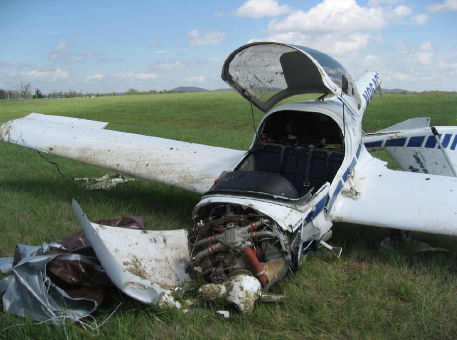 Accident Diamond DA20-C1 Eclipse N964CT, 11 Apr 2009